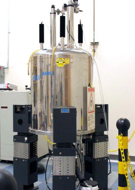 Bruker Avance Iii Hd 400 Nuclear Magnetic Resonance Laboratory