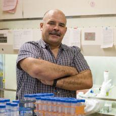 Burchard en laboratorio